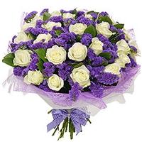 Kimp valgetest roosidest ja sinistest lillededest 40-50cm(21 roosi+12sinist parkjuurt+kaunistus)
