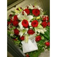 Matusepärg 60x80cm, valged liiliad+punased roosid