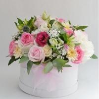 Erinevad lilled karbis
